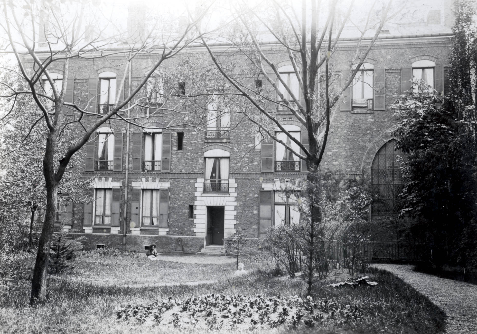La Maison des missions côté jardin