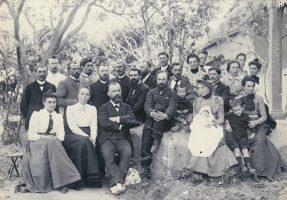 Jean Bianquis, futur directeur de la SMEP : au premier rang, troisième en partant de la gauche Photo de la Conférence missionnaire de Madagascar, 1905