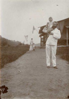 Suzanne et Jean-Paul, M. Félix Faure avec Eric