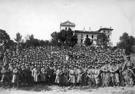 Rassemblement des 3e et 4e compagnies tahitiennes, camp de Boulouris - 21 avril 1918