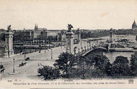 Le Pont Alexandre III et l'Esplanade des Invalides